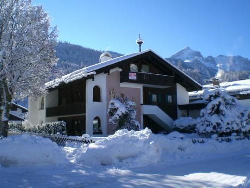 Квартира в Гармиш-Партенкирхен, дом на 2-х хозяев, Германия, Бавария