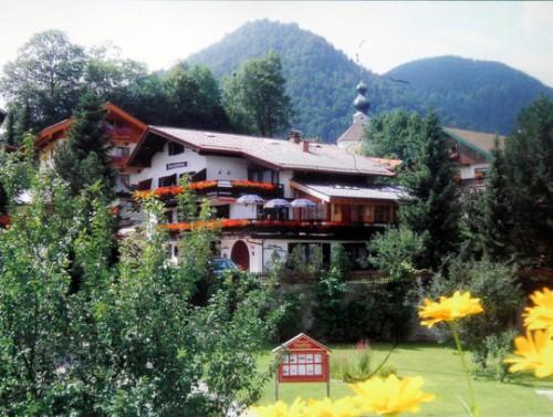 Купить гостиницу в Генрмании. Мини отель в Верхней Баваарии - Горнолыжный курорт Рупольдинг, Альпы