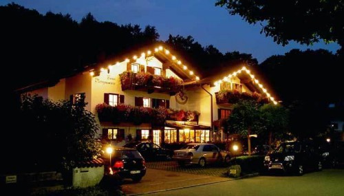 Гостиница вечером