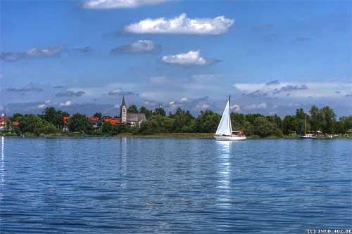 Квартира  находится в красивом городке Зеебрук на озере Кимзее