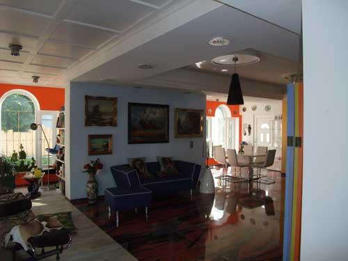 Кваотира, жилая комната, гостиная интерьер, в стиле лофиа
