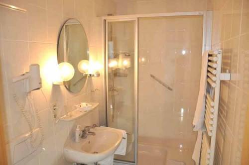 Ванная комната в гостиничном номере